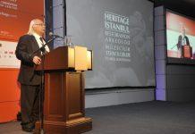 """Arkeolog Nezih Başgelen, """"Bu kadar zengin bir mirasa sahip olmak pek çok sorumluluğu ve sorunu da beraberinde getiriyor. Türkiye, bu sorumluluğu doğru bir şekilde yerine getirme konusunda önemli bir aşamada. Heritage İstanbul Fuarı da bu konuda önemli bir katalizör"""" dedi."""