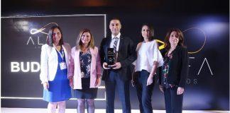 """Marketing Türkiye A.L.F.A. Müşteri Deneyimi ödülüne layık görüldü. Buderus; 1200 kişinin katıldığı araştırmada Isıtma ve Soğutma sektöründe """"Müşteri Deneyimini En İyi Yöneten Marka ve Marka Ekipleri"""" ödülünü aldı."""