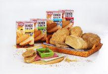 Dr. Oetker Ekmek Karışımları'nın hazırlık aşamaları, her zaman olduğu gibi ürün paketinin üzerinde fotoğraflar ile desteklenerek anlatılmakta.