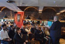 Endeavor on Board etkinliğine TUSİAD Dış Politika Forumu Direktörü Prof. Dr. Hakan Yılmaz konuk konuşmacı olarak katıldı. Yılmaz, katılımcılara Türkiye'nin dış politikasındaki değişimlerin dünden bugüne etkisini ve toplum üzerinde nasıl bir izlenim yarattığını anlatırken, gelecekte izlenecek dış politikanın kamuoyunun düşüncesini şekillendirmedeki önemini vurguladı.