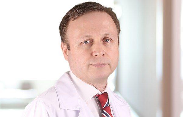 Medical Park Bahçelievler Hastanesi Kulak Burun ve Boğaz Uzmanı Prof. Dr. Özcan Öztürk'ün 'ani işitme kaybıyla' ilgili uyarılarına kulak verin.