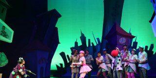 Seçilen eser tiyatro oyununa dönüştürülerek Dünya Tiyatro Günü'nde Zorlu PSM'de sahnelenecek..