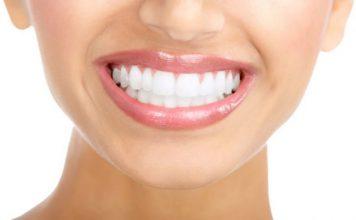 Dt. Doğan Bircan, diş beyazlatmanın doğru teknikle uygulandığı zaman, zararı olmayan, kozmetik bir işlem olduğunun belirtiyor.